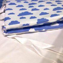 Бортики в кроватку Облака на белом
