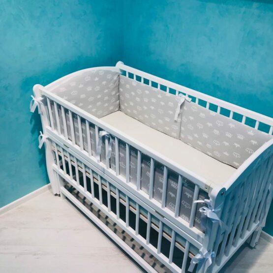 Protecție in patuc BabyTerra Dream Coroane albe pe sur