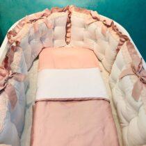 Комплект белья для овальной кроватки Сатин с кружевом — Бело-розовый