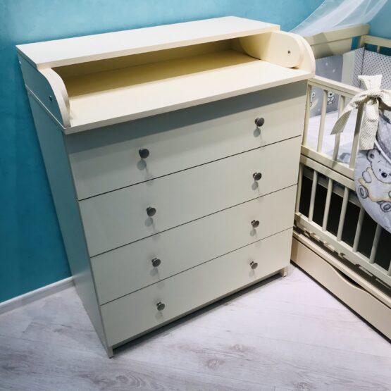 colectie de mobila in camera copiilor